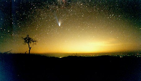Photo of comet Hale-Bopp over Washington DC